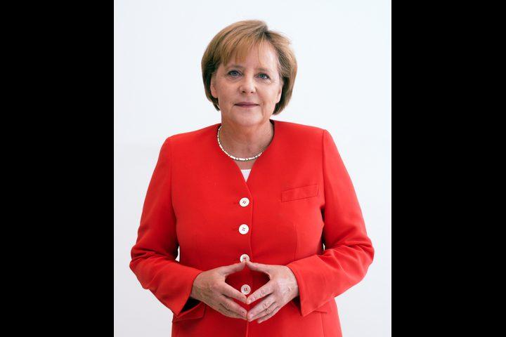 """استطلاع: غالبية الألمان يرون صحة ميركل """"مسألة شخصية"""""""