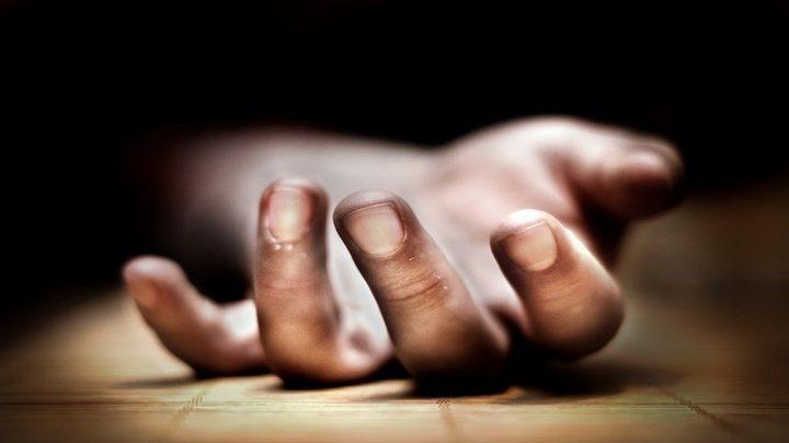 القبض على أم أجبرت ابنتها على العيش مع جثة جدتها ثلاث سنوات