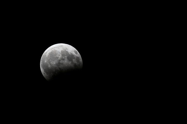 البلاد العربية على موعد الليلة مع خسوف للقمر