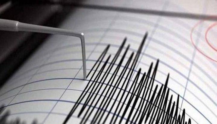 زلزال بقوة 5.7 درجة يضرب قبالة ساحل جزيرة بالي الاندونيسية