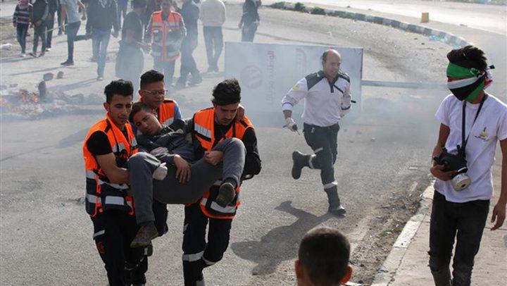اصابات بالاختناق على حاجز بيت ايل شمال مدينة البيرة