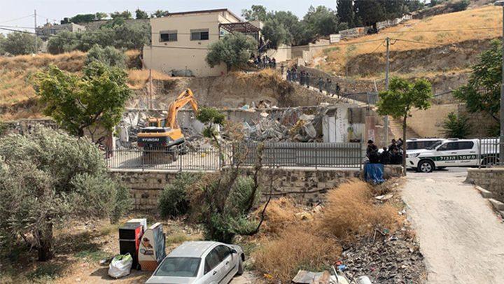 الاحتلال يهدم 4 محلات تجارية في سلوان جنوب المسجد الأقصى