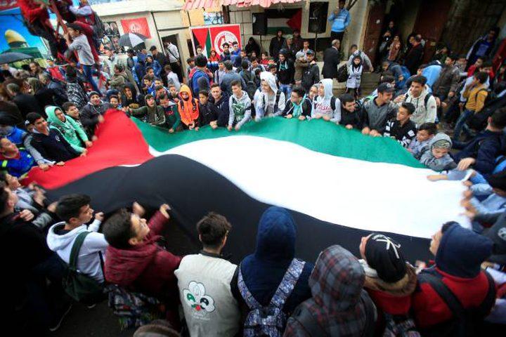 الاحتجاجات في مخيمات اللاجئين بلبنان تتواصل ضد قرار وزير العمل