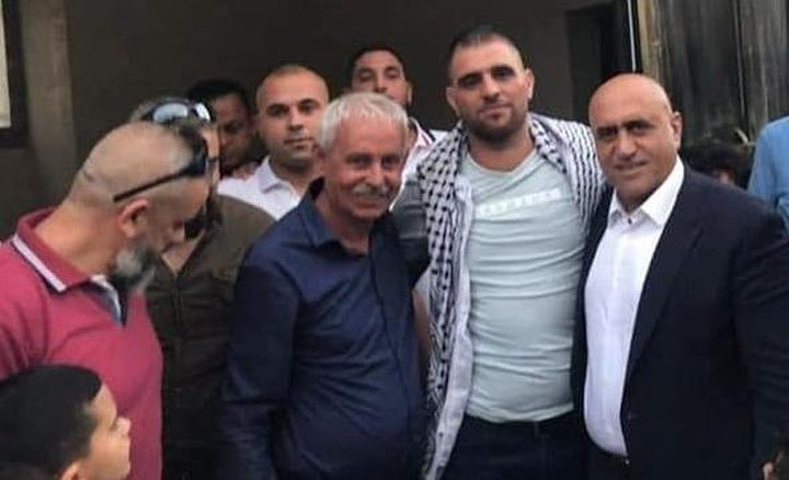 الأسير صبحي مسعود يتنفس الحرية بعد قضائه 30 شهراً بسجون الاحتلال