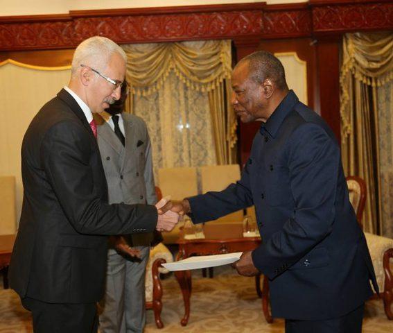 وزير الخارجية الغيني يستقبل سفير دولة فلسطين