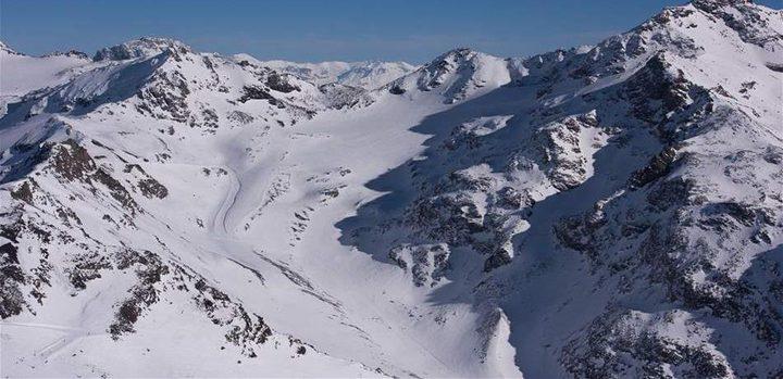 تشكل بحيرة في أعالي جبال الألب الفرنسية