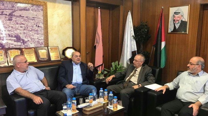 النتشة يتسلم اعتراف صحة الاحتلال الاسرائيلي بكلية الطب