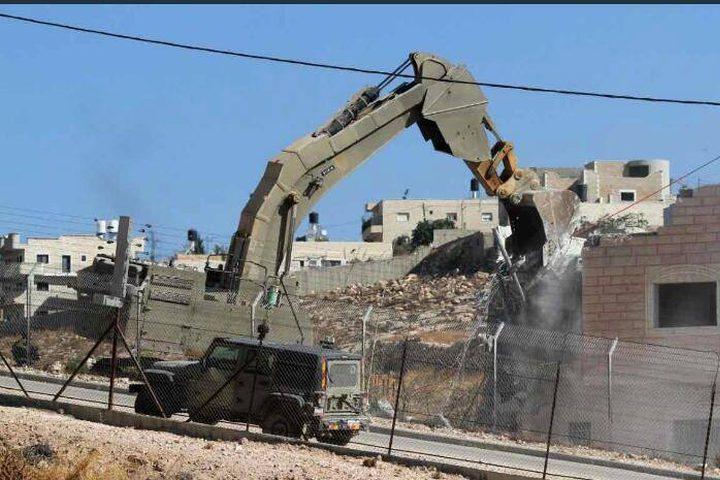 أكبر عملية هدم منذ عام 1967 تعيشها القدس المحتلة، حيث شرع الاحتلال بهدم 16 بناية لمواطنين فلسطينيين، بإزالة 100 شقة كمرحلة أولى لتشمل لاحقا 225 شقة في حي وادي الحمص بقرية صور باهر..