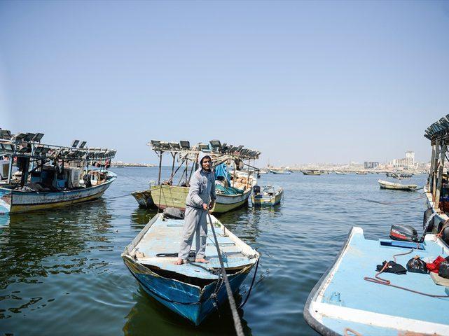 الاحتلال يعيد حسكات ومعدات بحرية محتجزة لديه إلى غزة