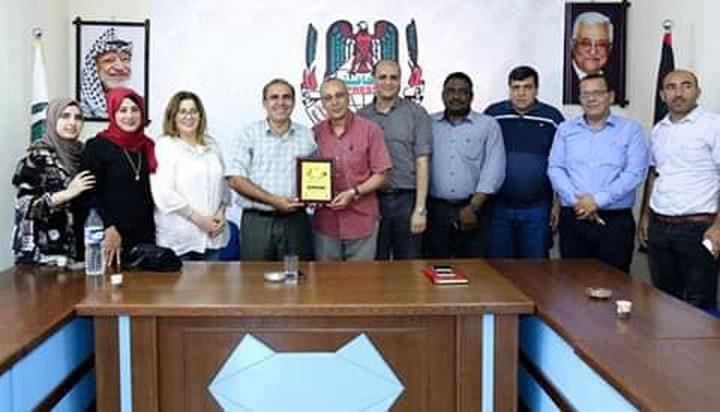 """""""المكتب الحركي المركزي"""" يزور ويكرم عدد من الزملاء الصحفيين في غزة"""