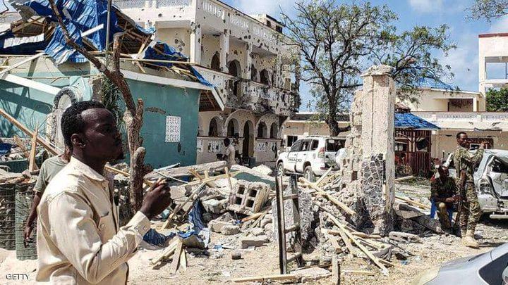 الصومال.. انتحاري يفجر نفسه في مكتب عمدة مقديشو