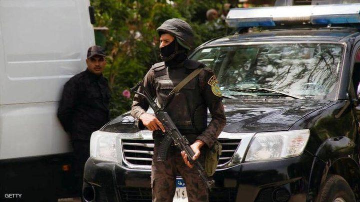 مصر.. شخص يخطف بندقية جندي ويطلق بها النار عشوائيًا