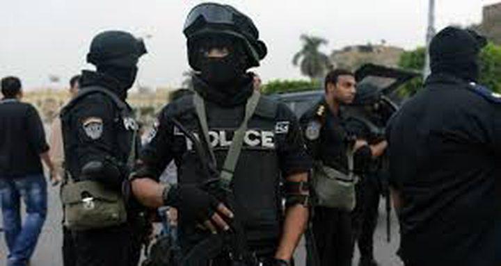 مواطن مصري يخطف بندقية من مجند ويطلق النار بشكل عشوائي