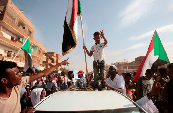 السودان.. مواكب جماهيرية للمطالبة بتجنب المحاصصة الحزبية