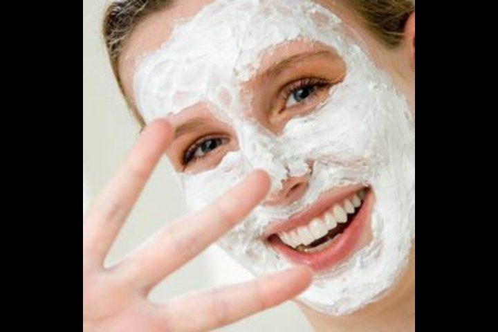 بشرة نقية باستخدام ماسك الحمص المطحون