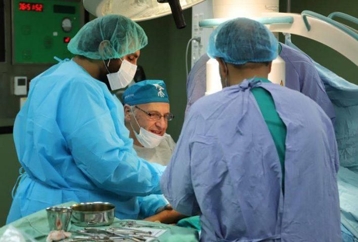 وفد أرجنتيني متخصص بجراحة العظام يختتم زيارته لقطاع غزة