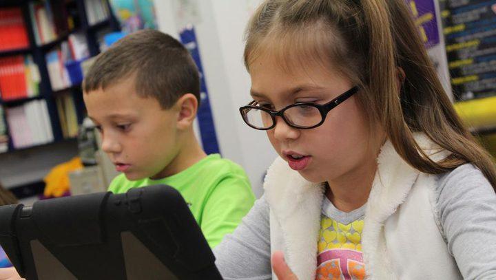تعزيز مهارات القراءة لدى طفلك