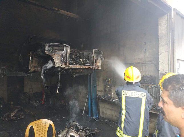 قلقيلية: اخماد حريق في محل لصيانة المركبات