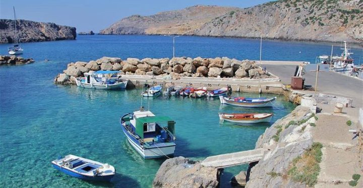 اليونان.. جزيرةمعزولة توفر حوافز مالية ومعيشية لا تصدق للعيش فيها