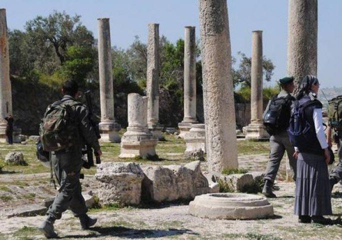 الاحتلال يعتدي على الموقع الأثري في سبسطية