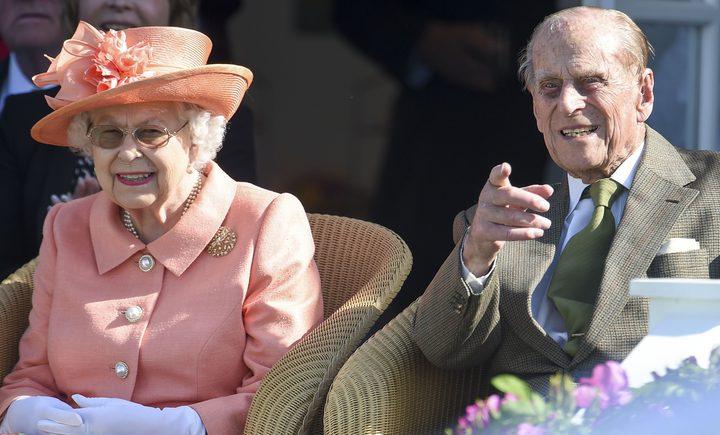 """""""الدماء"""" رفيق دائم للملكة إليزابيث الثانية في رحلاتها الخارجية"""