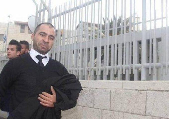 محامي هيئة الأسرى طارق برغوث يواجه حكما ب 13 عاما ونصف