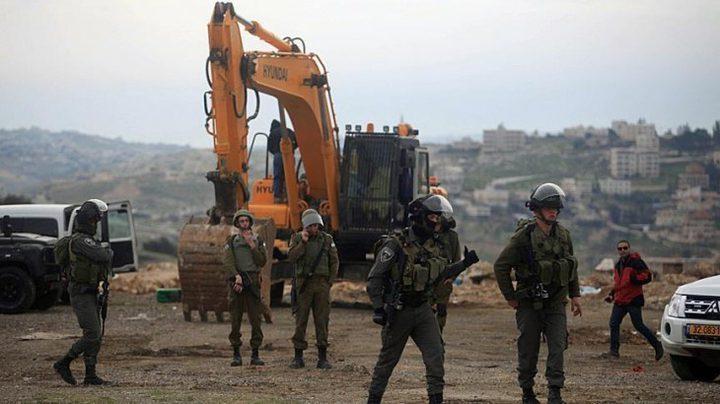 الاحتلال يهدم خياماً وبركسات في الأغوار