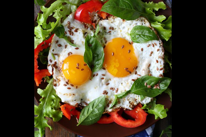فطور بيض بالريحان بطريقة صحية