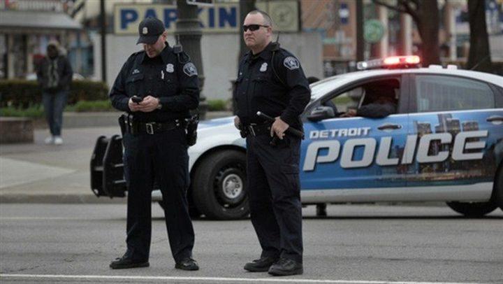 أمريكي يقتحم مركز الشرطة ويطلب إطلاق النار عليه