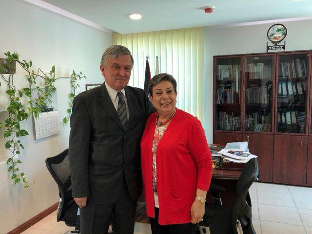 عشراوي تلتقي بسفير الجبل الأسود وتطلعه على آخر التطورات السياسية