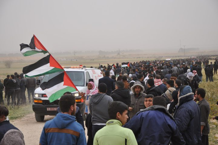 أمن حماس يمنع المتظاهرين من الوصول للسياج الفاصل