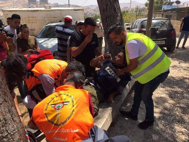 اصابات بالاختناق واعتداءات على المواطنين في واد الحمص