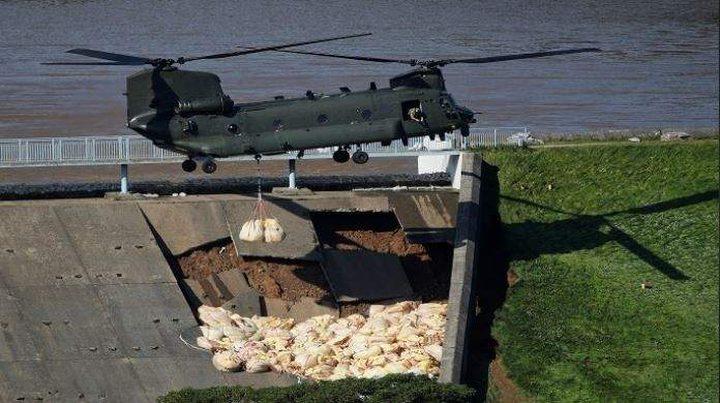 الجيش البريطاني يتدخل لمنع غرق بلدة بأكملها