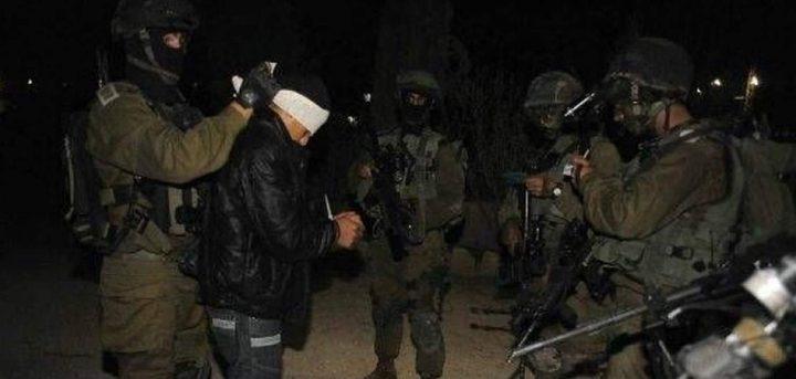 الاحتلال يعتقل ثلاثة مواطنين من قطاع غزة