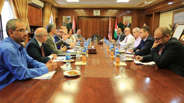 مجلس أمناء جامعة النجاح يعلن انطلاق أعمال لجنة التطوير والإبداع