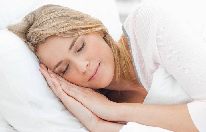 هل تعرفون ما هي عادات النوم المحرجة ؟