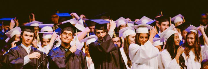 مؤسسات أريحا تكرم الطلبة المتفوقين في امتحان الثانوية العامة