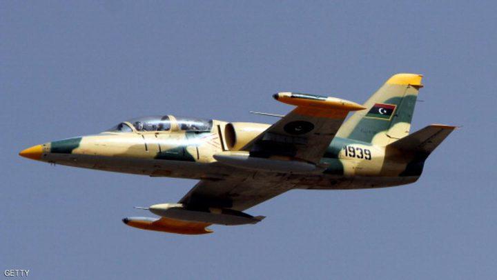 طائرات الجيش الليبي تدمر طائرة شحن تركية محملة بالصواريخ