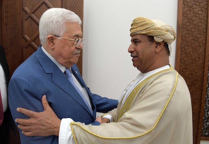 الرئيس عباس يستقبل سفير سلطنة عُمان لدى الأردن