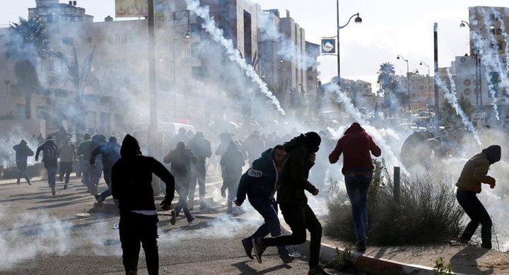 عشرات الإصابات بالإختناق بمواجهات مع الاحتلال في طمون
