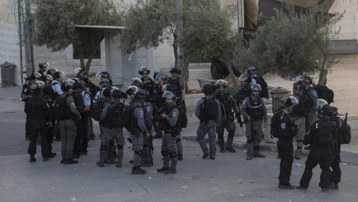اعتقال شاب من مصلى باب الرحمة وتهديد مواطنة بالاعتقال