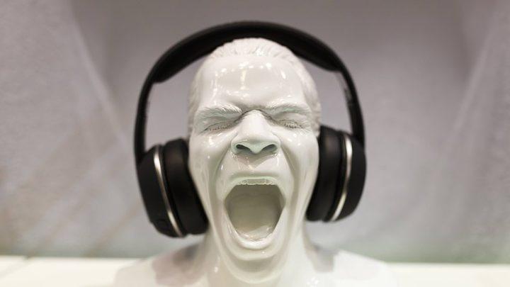 أضرار الاستماع للموسيقى الصاخبة