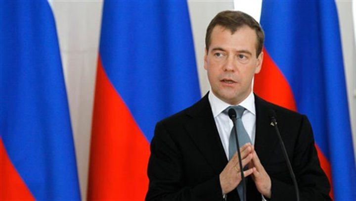 مدفيديف: نسعى لتعاون تجاري واقتصادي بين جزيرة القرم وسوريا
