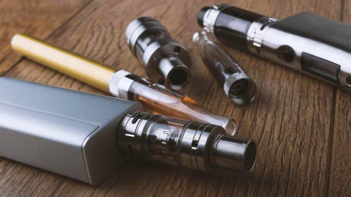 مختصون: أعراض خطيرة تسببها السجائر الإلكترونية