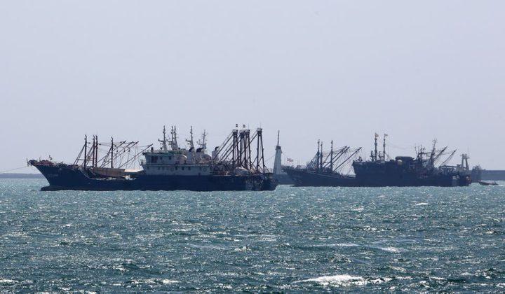 البحرية الأمريكية تدعو السفن التجارية لعدم مقاومة أي جهة إيرانية