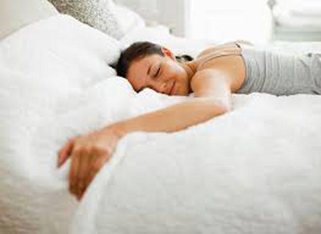 التفاؤل يعزز النوم الجيد
