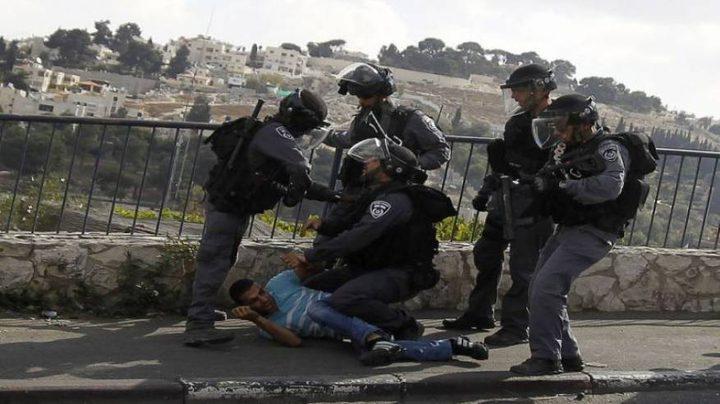 الاحتلال يمدد اعتقال ثلاثة فلسطينيين من القدس