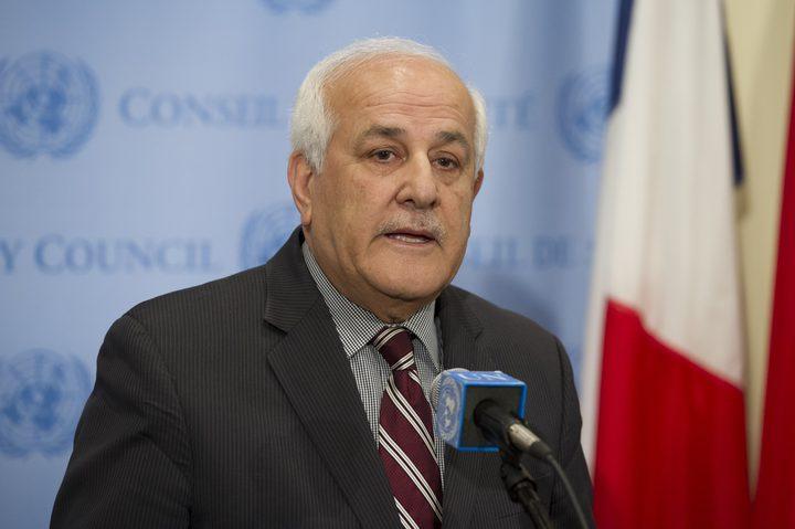 السفير منصور يبعث رسائل للمجتمع الدولي تدين الاستيطان