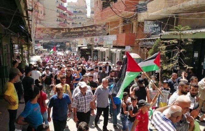 مسيرات حاشدة تجوب مخيمات الشتات رفضاً لقرار وزارة العمل اللبنانية