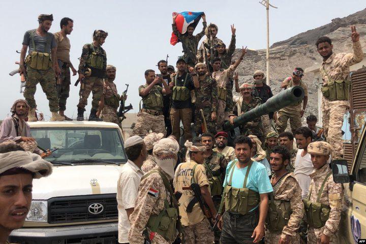 الانفصاليون يعلنون أنهم سيطروا على جميع معسكرات الجيش في عدن